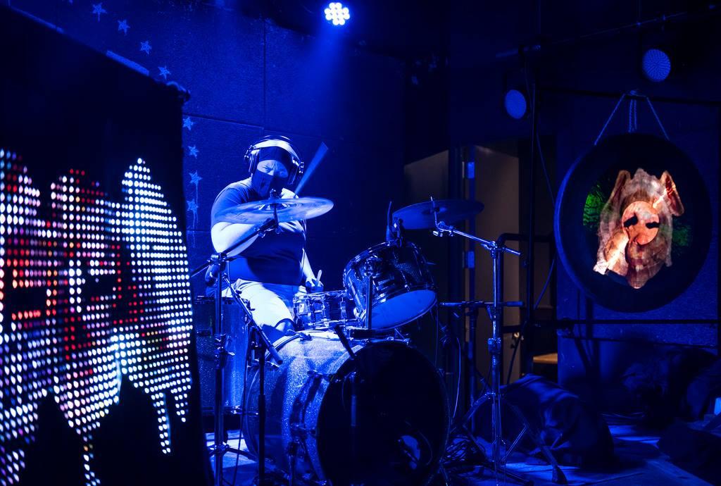 TOBACCO-u-street-music-hall-02