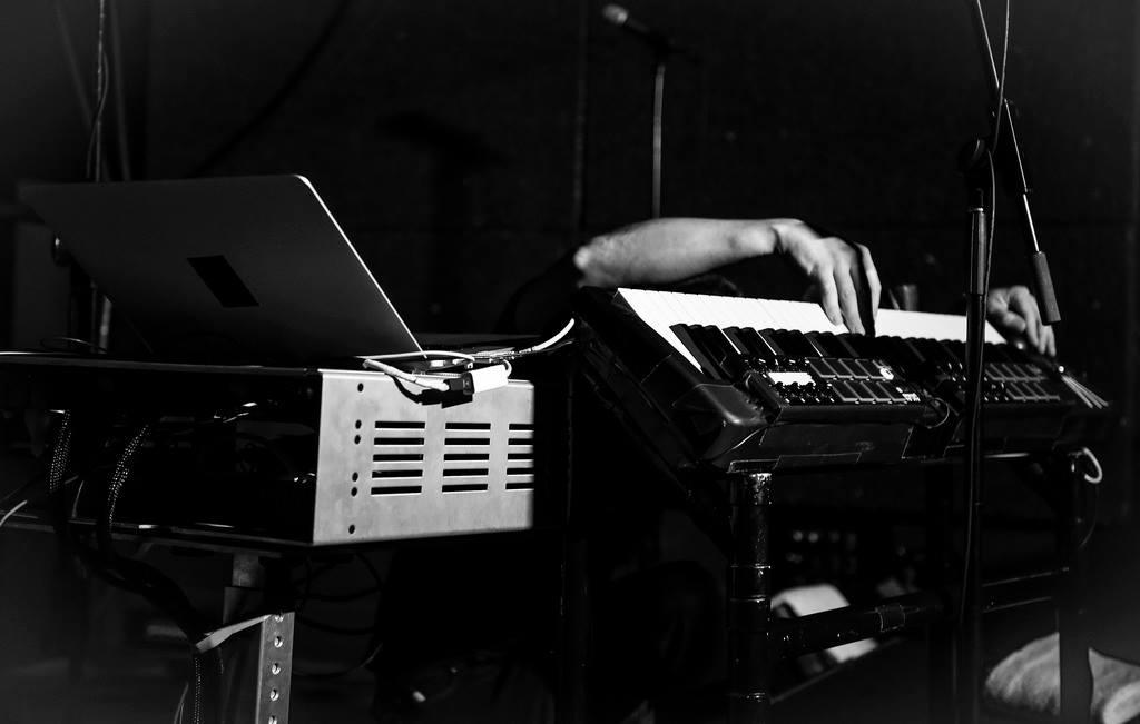 son-lux-u-street-music-hall-02
